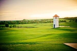 Na hřišti se můžete kochat krásnou přírodou nebo vyhlídkovou věží.